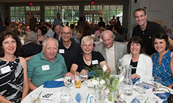 Image of people at the Refelctions Dinner and Auction