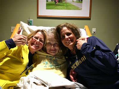 Janice and her daughters at the Hanson Hospice Center.