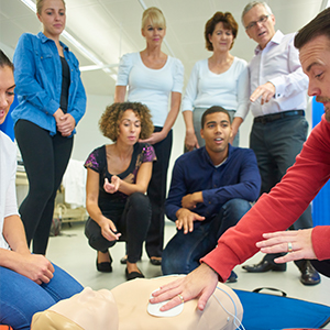 Image of CPR Instructor and Class